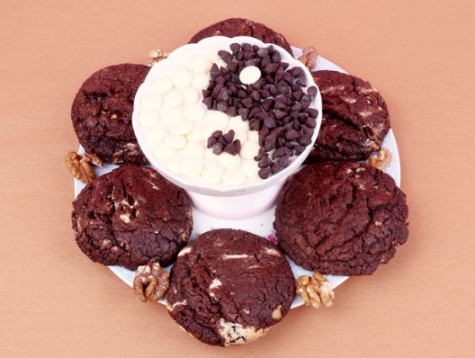 Double chocolate and walnuts biscuits